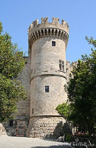 medieval-stone-tower-9627126